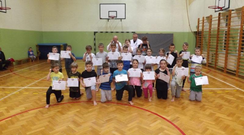 Egzamin adeptów karate